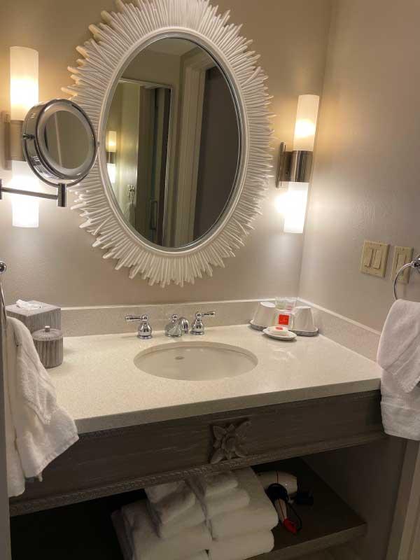 Universal Orlando Lowes Royal Pacific Resort